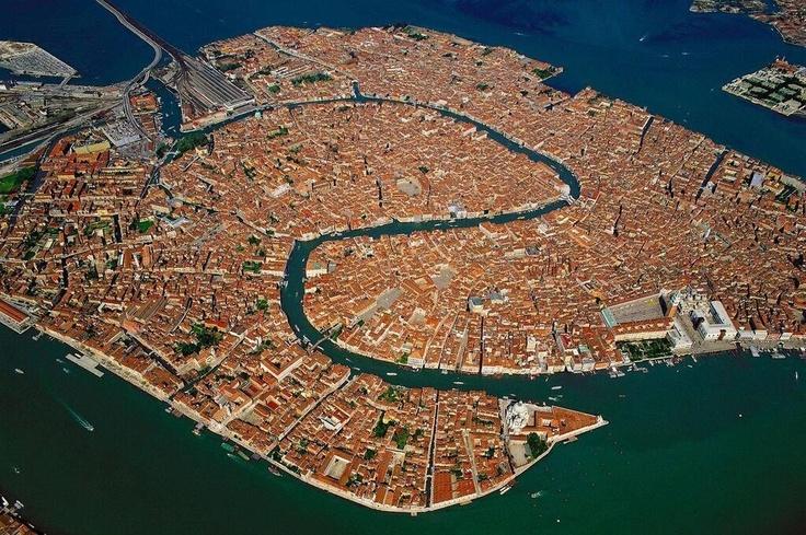 Birdview over Venetie.