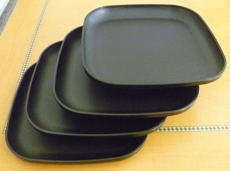 Tupperware Free Shipping New 4 Dishes Square Classic Plates Raised Edges  #Tupperware