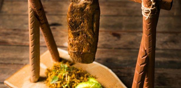 Carne de sol de carneiro com paçoca, arroz Maria Isabel e conserva de maxixe - 30/03/2016 - UOL Estilo de vida