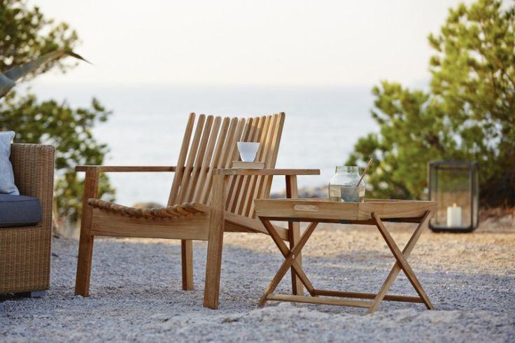 Amaze to kolekcja mebli ogrodowych Cane - Line, zaprojektowana przez Foresom & Hiort - Lorenzen. Meble wykonane zostały z drewna tekowego.