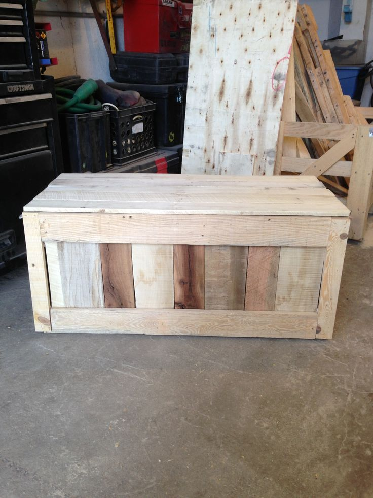 another toybox made out of pallet wood things i built