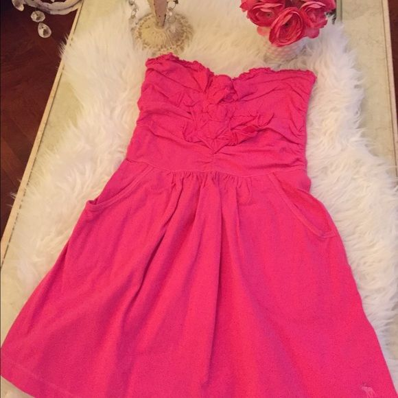 ABERCROMBIE & FITCH SUMMER DRESS ABERCROMBIE & FITCH JUNIOR SUMMER DRESS IN MEDIUM.  IN GREAT CONDITION!!  GENTLY WORN! Abercrombie & Fitch Dresses Strapless