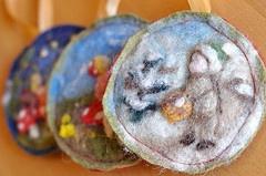 felted ornaments: Wool Felt, Needle Felted Ornaments, Christmas Solstice, Felt Crafts, Gifts Ideas, Waldorf Christmas, Felt Ideas, Needle Felt Ornaments, Fabulous Felt