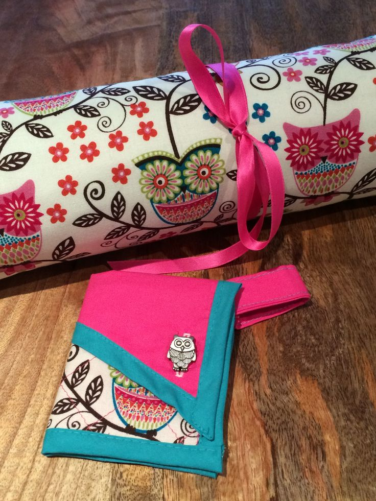 Little bits, a wee wallet and a quilt roll