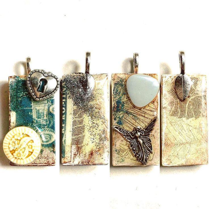 Altered Dominos : video in caricamentooooo      #archidee #becreative #bepositive #resin #alteredart #resinart #resincraft #domino #tutorial #handmade #handmadejewelry #dominos #supporthandmade #handcrafted #crafting #resina #pendant #artigianato #vintage  #shabby #shabbychic #craft #instacraft #instajewelry #jewelrytrends #howto #altereddominoes #dominoes