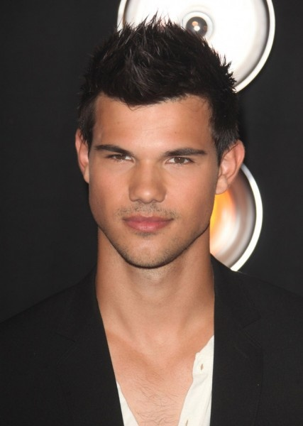 17 Best Images About Taylor Lautner On Pinterest