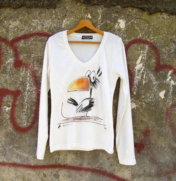 Hand painted blouse with jackdaw. Unique art blouse with long sleeves. Fun jackdaw t shirt. Teenage girl gift.
