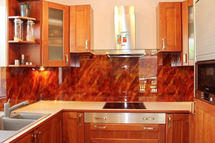 Sklenená kuchynská zástena (zákaznícky návrh)