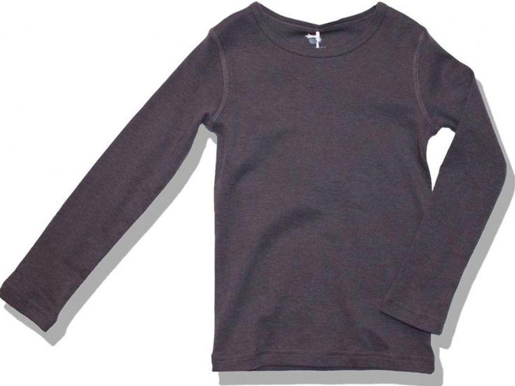 Ένα βασικό, μάυρο μακρυμάνικο μπλουζάκι από 100% οργανικό απαλό βαμβάκι είναι ότι χρειάζεστε για να το συνδυάσετε με όλη τη νέα χειμερινή συλλογή της Green Cotton ως βάση, αλλά και με αμέτρητες άλλες επιλογές από τη δική σας και τη δική μας γκαρνταρόμπα. Η τέλεια εφαρμογή του και η απαλότητά το ...