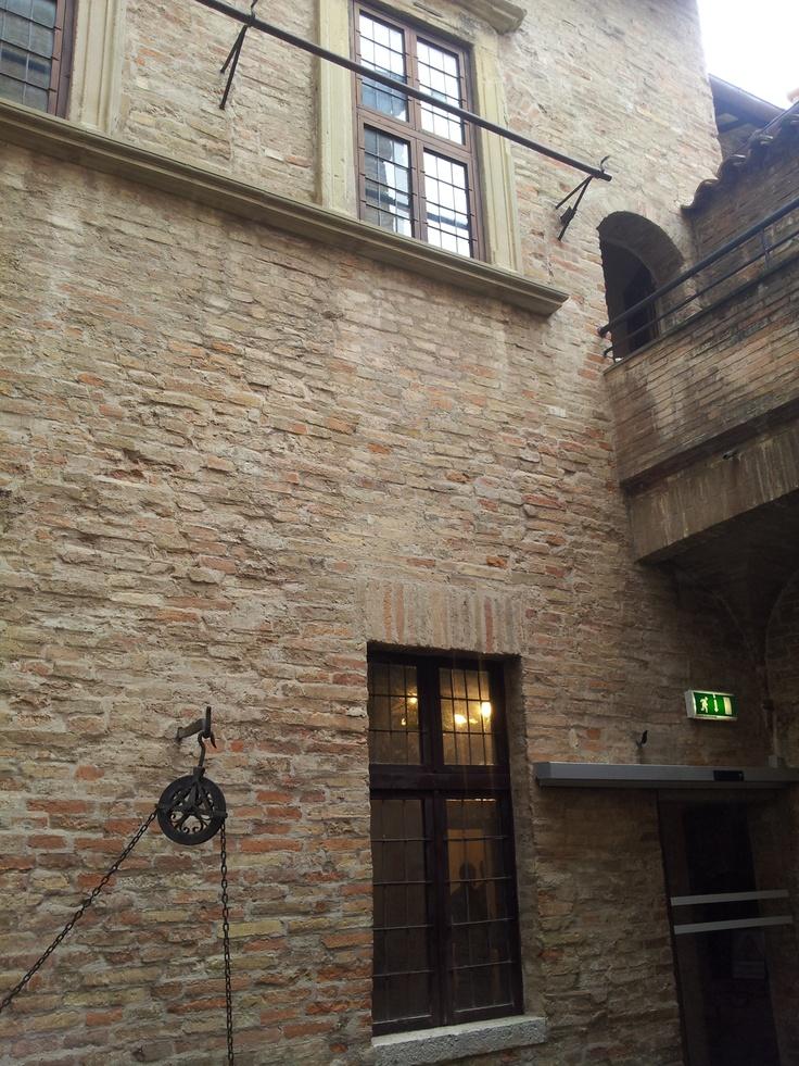 Casa Raffaello, cortile