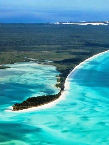 Fraser Island southern coast of Queensland,Australia - Geotourism&Gems.