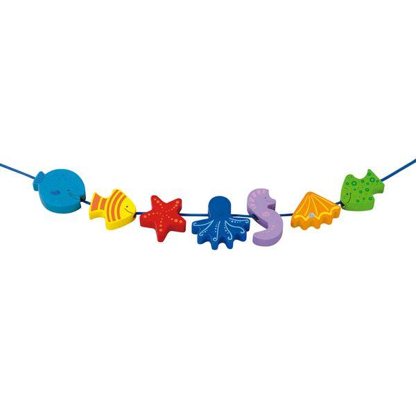 Grandes #perlas de #madera para que manos pequeñas puedan crear infinidad de diseños con formas y colores diversos.  Muy bueno para desarrollar la #motricidad y coordinación ojo-mano.#educacion #kids #niños