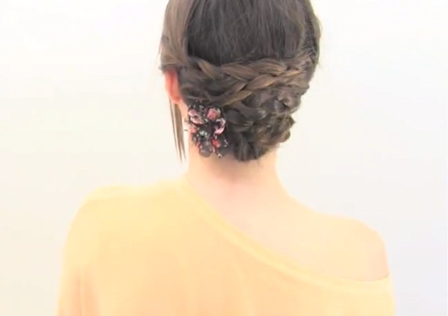 RECOGIDOS FACILES CON TRENZAS : Peinados y cortes de cabello
