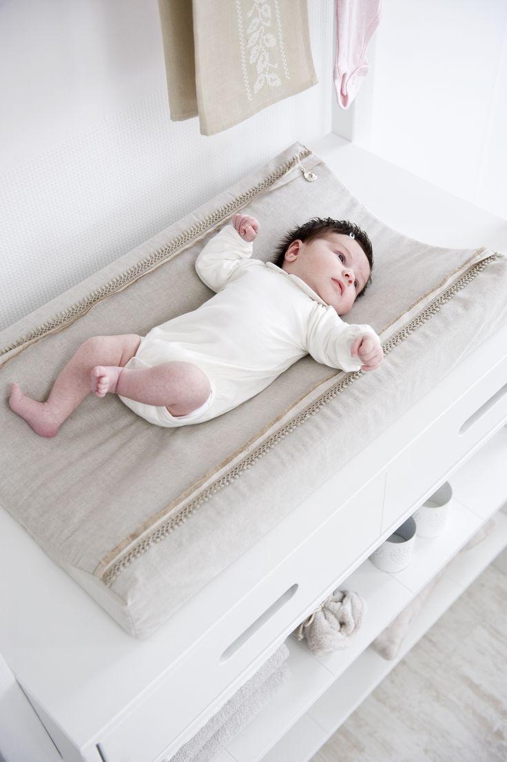 Coming Kids Cross aankleedkussenhoes uit de online shop van Babyaccessoires.eu. In allerlei kleuren.