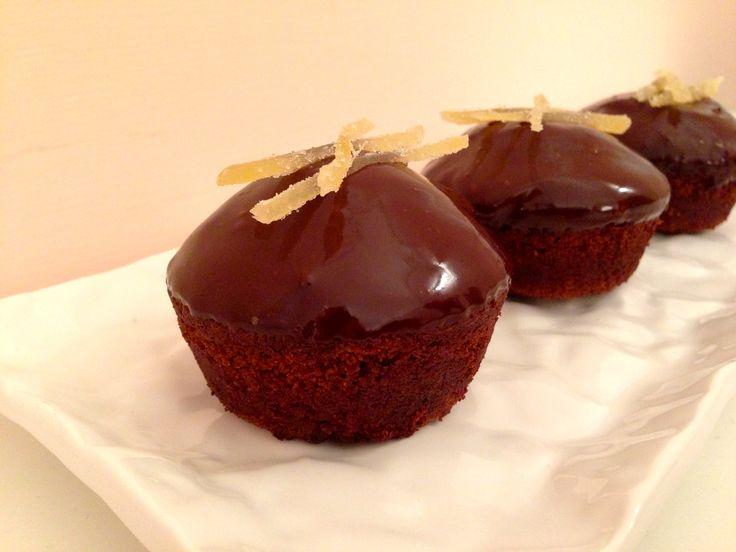 Sia che andiamo di fretta che amiamo alla follia il cioccolato, la ganache è la soluzione adatta a noi!