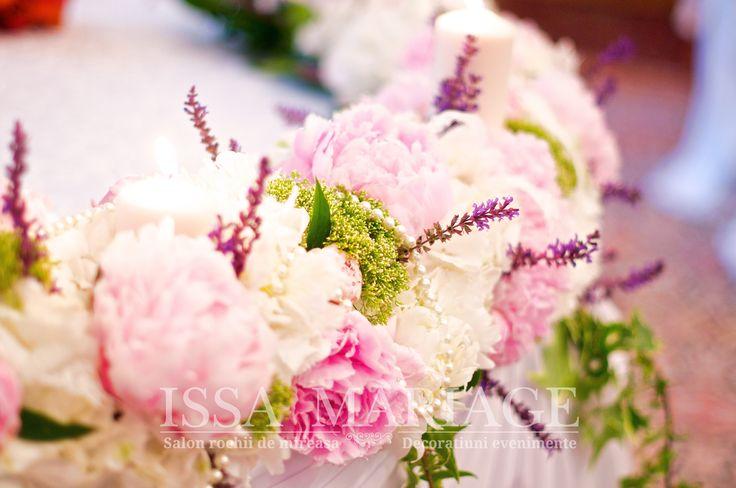 Decoratiuni nunta flori colorate