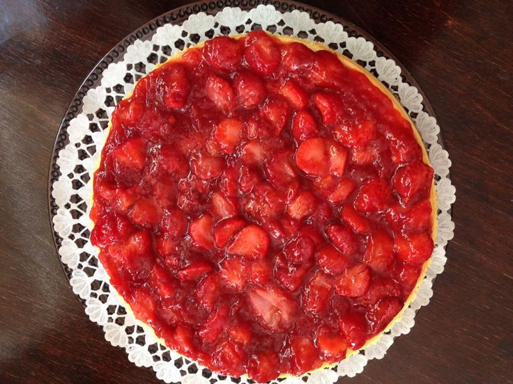 New York style cheesecake with fresh strawberries - one of our customer's favourite cake
