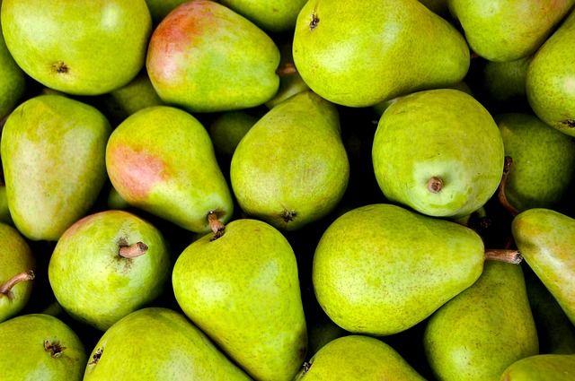 La pera es mi fruta favorita.