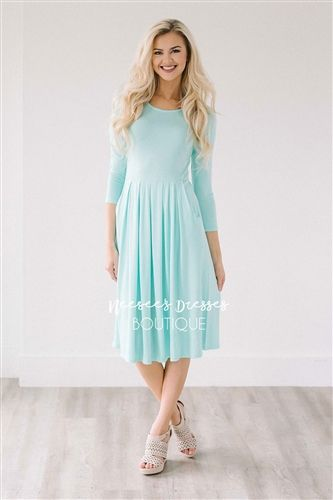 Bridesmaids dresses  This cute spring dress is light weight, the perfect length and perfect for spring and summer. Mint dress features 3/4 length sleeves, a pleated waist and adorable front pockets.