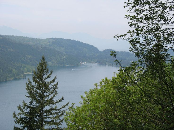 The underrated Teapot Hill is a quirky little trail near Chilliwack, in Cultus Lake Provincial Park.  Teapot Hill is a brief hike that leads to stunning views of the lake and Columbia Valley.