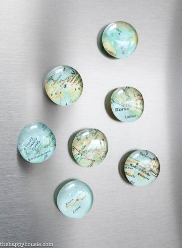 Map Magnets by the Happy Housie. Click through for a roundup of 19 perfect DIY projects for travel lovers - all gorgeous, wanderlust-inspired and simple to make.