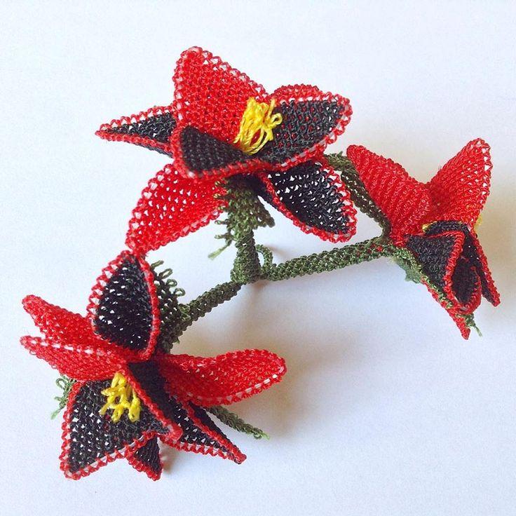 Kırmızı çiçek oya örneği