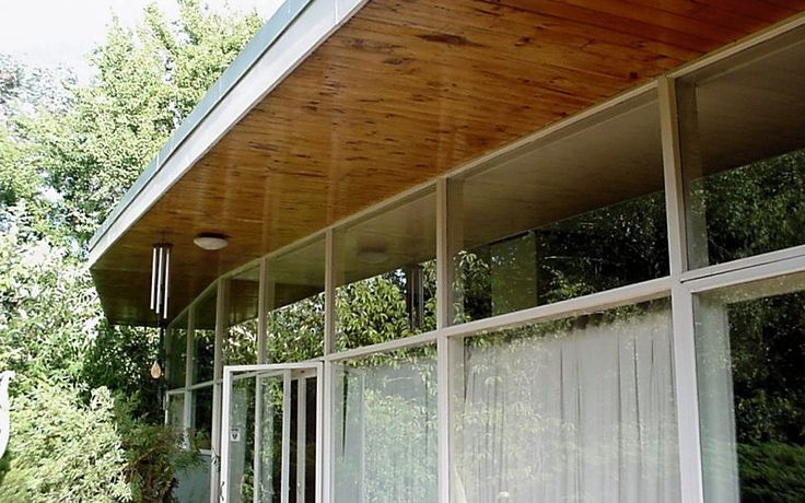 Robin Boyd. Great window detail and I love the timber under the awning.