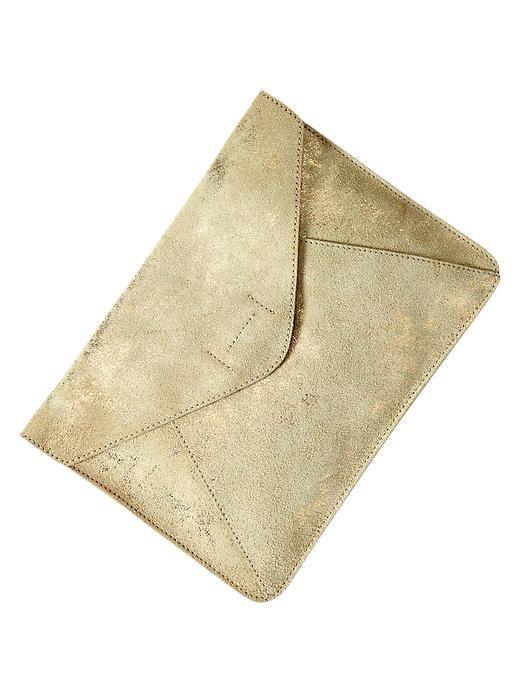 Gap Gold Leather Envelope Clutch | What to Wear to a Wedding Accessories #weddingattire #weddingdresscode #weddingseason