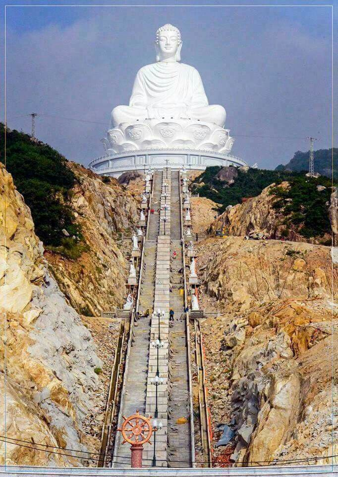 I remember this Buddha  at Hong-Kong