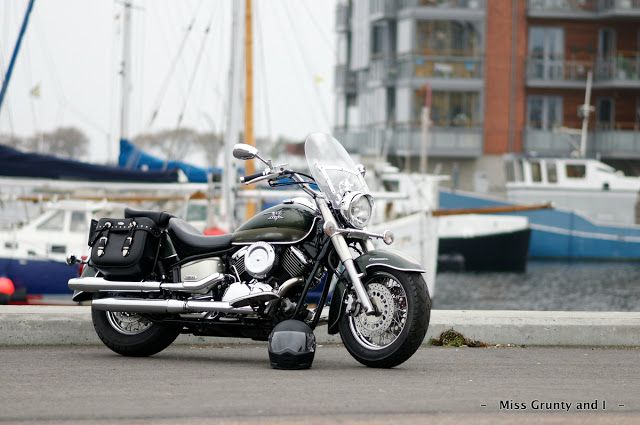 - - Miss Grunty and I - -: Biltwell Lanesplitter Helmet - A Modern Retro Classic