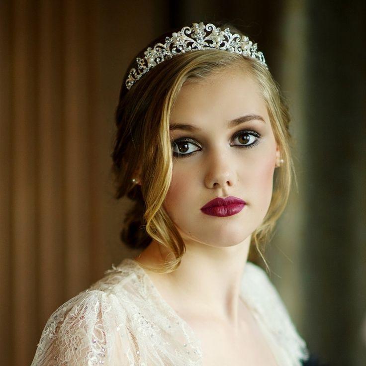 diadme mariage argent orn de cristaux et perles rondes - Coiffure Mariage Diademe