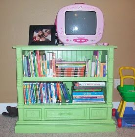 Bookshelve from old tv cabinet.