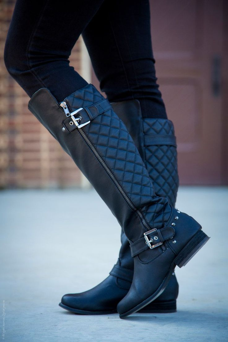 A quilted riding boot is a great way to add a chic, sophisitacted tuch to any casual outfit.