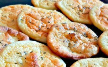 Voor iedereen die de komende brood en andere koolhydraten van zijn menu wilde schrappen, hebben we goed nieuws. Dé hype op Pinterest is namelijk 'cloud bread', een caloriearm broodje dat wij meteen willen proberen!