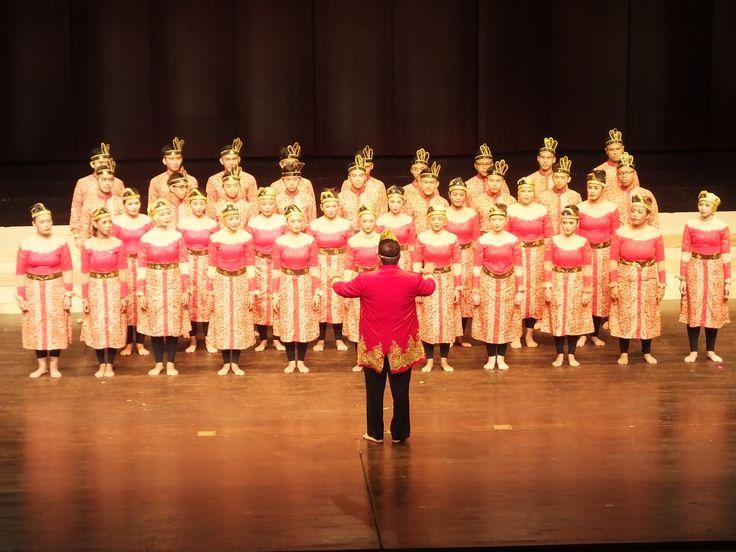 """Paduan Suara Mahasiswa """"Swara Darmagita"""" Meraih International Prize pada Busan Choral Festival dan Competition (BCFC), Korea Selatan"""