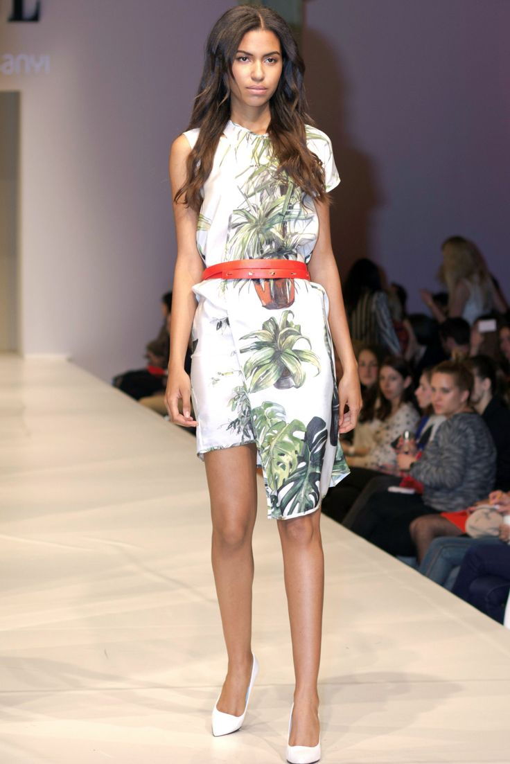 Dori Tomcsanyi - Elle Fashion Show 2014 http://www.budapestwithus.hu/elle-fashion-show-2014/