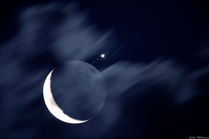 Moon, Jupiter, Moons. The simple truth that Galileo observed - and damned him during his life.