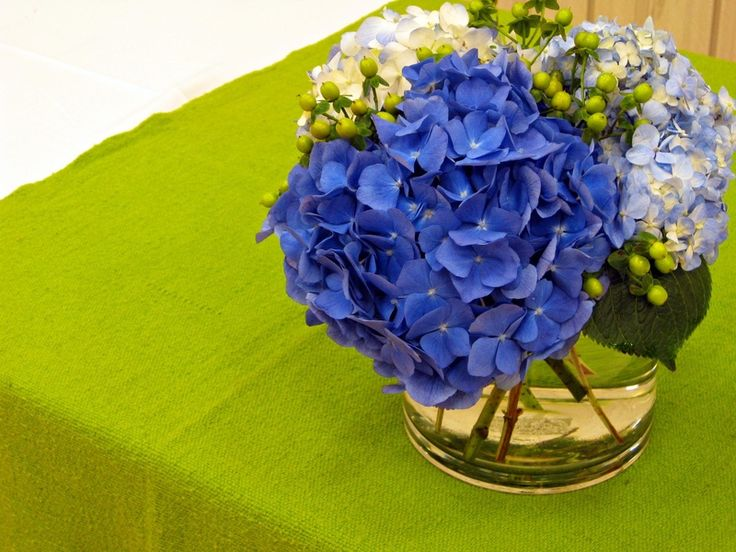 Blue centerpiece by designs anna something