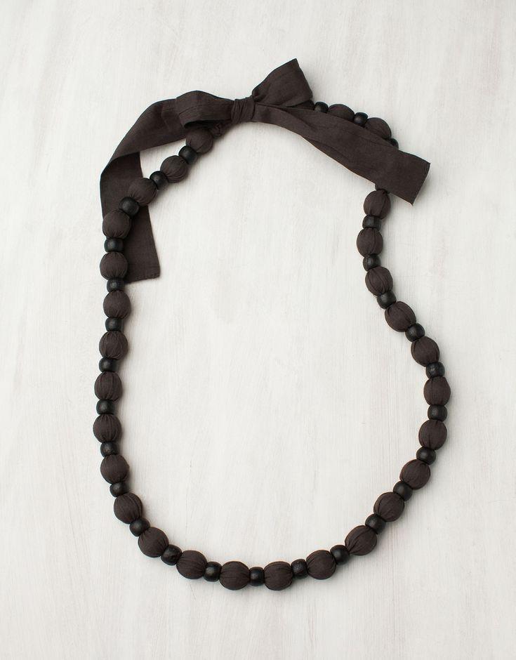 MALA halsband grå