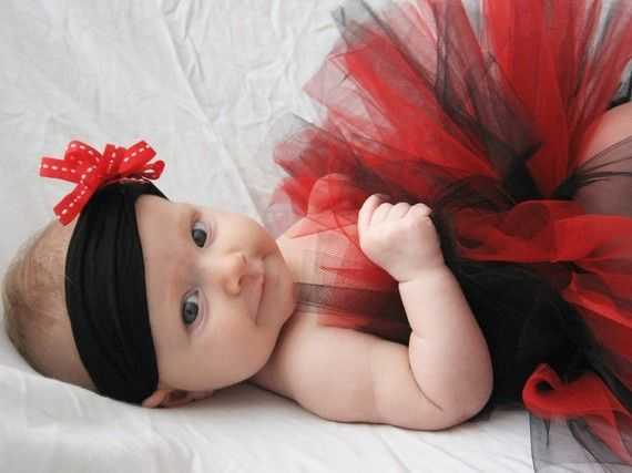 AAAAH! I would love to change Monroe into a Tutu for the reception! :)