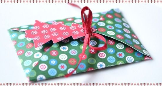 """""""'Tis the Season"""" doesn't have to mean weekends at the mall and all that conspicuous consumption. Instead of battling for doorbusters, standing in line and wasting money of stuff no one needs, consider making thoughtful handmade #Christmas #gifts under $10 that won't require you to try to get approved for a credit card increase. http://www.organicauthority.com/11-easy-handmade-christmas-gifts-under-10/"""