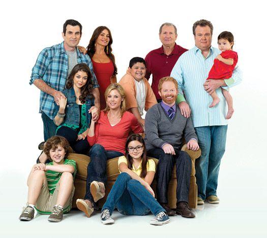 http://onwisconsin.uwalumni.com/content/uploads/2011/02/Modern-Family-cast_525.jpg