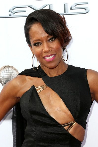 Regina King | Regina King Actress Regina King attends the 45th NAACP Image Awards ...