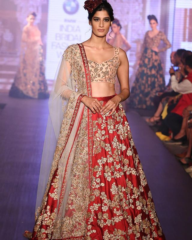 Stunning lenghas for brides who want that stand out piece. Make your lengha memorable! Call Bibi London on 07931 999111 #bridallehenga #pakistaniwedding #indianwedding #bibilondon #lengha #redlengha #summerbride #shyamalbhumika