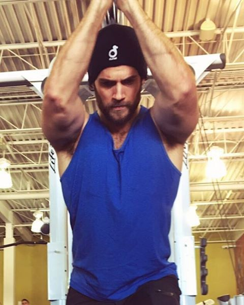 """15.2k Likes, 552 Comments - Henry Cavill (@henrycavill) on Instagram: """"Since I came off the ol knee injury I've been steadily increasing my training work load. I know…"""""""