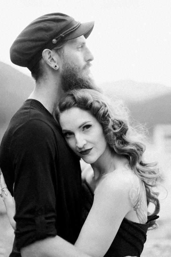 Gorgeous moody couple portrait   Heidrich Photography