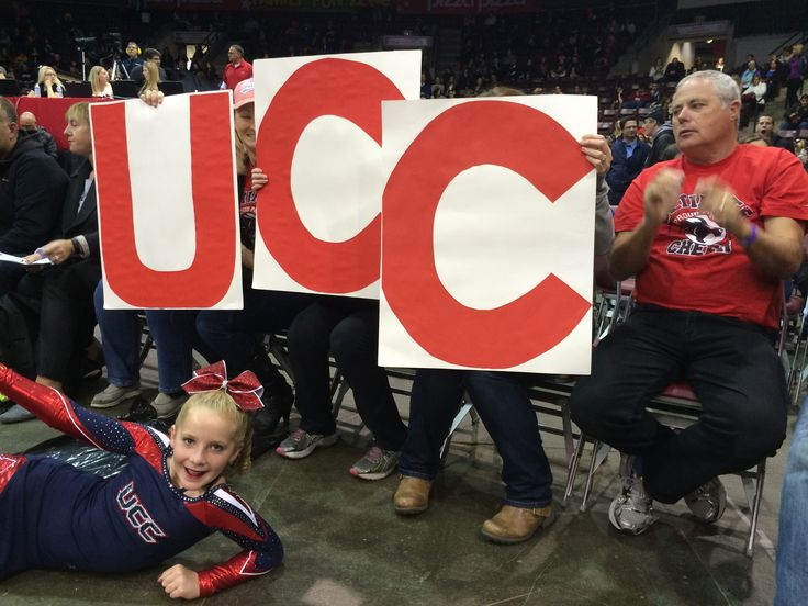 Homemade signs for the Ultimte Family www.ultimatecheer.ca #BeUltimate
