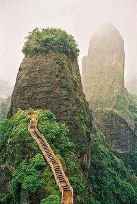 Самые удивительные лестницы мира