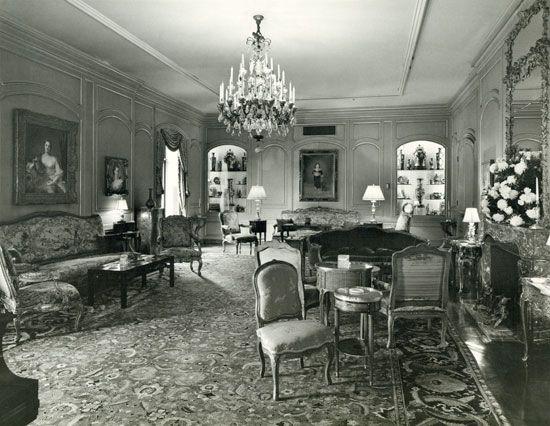 740 Park Avenue, NY - Rosario Candela.  Rockerfeller Apartment - living room.