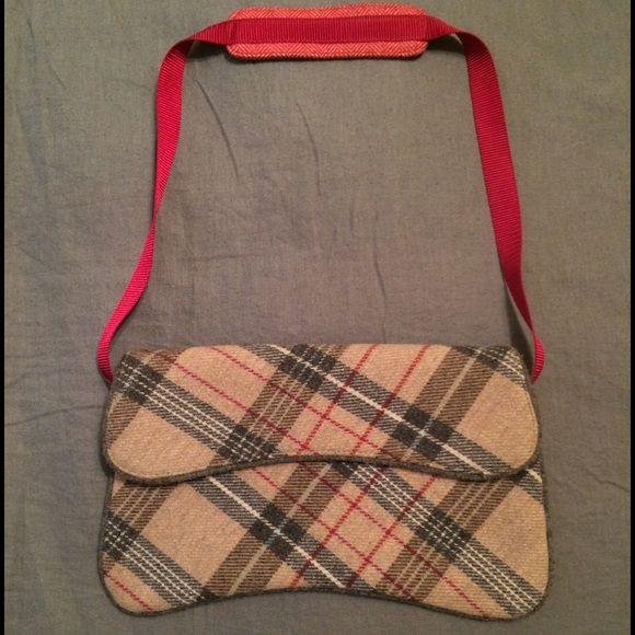 Gap handbag Gap handbag. 6x11 envelope style GAP Bags